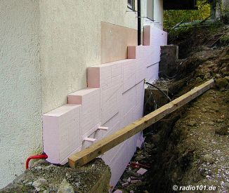 isolierung w rmed mmung eines hauses mit styropor. Black Bedroom Furniture Sets. Home Design Ideas