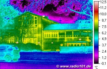 heat radiation visible: thermal image of a house in Duesseldorf, Germany