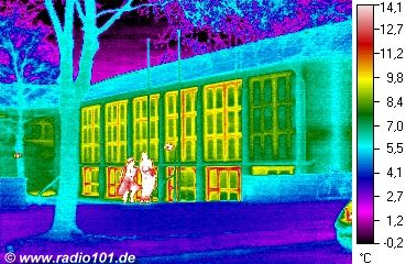 heat radiation visible: thermal image of a house in Duesseldorf